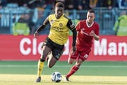 Tsiy William Ndenge (links) spielte in der niederländischen Ehrendivision bei Roda Kerkrade. (Bild: Gerrit van Keulen/Imago (Almere, 10. Mai 2018)