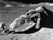 Astronaut Harrison H. Schmitt bei einem Nasa-Einsatz auf dem Mond im Jahr 1972. (Bild: KEYSTONE/KEYSTONE NASA/EUGENE A. CERNAN)
