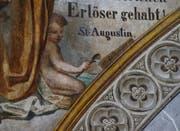 Das Gemälde von Melchior Paul von Deschwanden an der Chorwand der Kirche St. Oswald in Zug zeigt das wasserschöpfende Kind. (Bild: Stefan Kaiser (Zug, 15. August 2018))