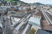 Mit einem grossen Fest weiht die Stadt St. Gallen den neuen Bahnhofplatz und den umgebauten Hauptbahnhof ein. (Bild: Hanspeter Schiess/29. August 2018)