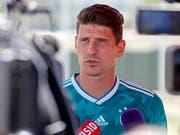 Mario Gomez will den Jungen im Nationalteam nicht im Weg stehen (Bild: KEYSTONE/EPA/RONALD WITTEK)