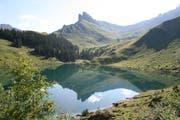 Das Bergpanorama spiegelt sich im Bannalpsee. (Bild: Sepp Odermatt, Oberrickenbach, 16. Juli 2018)