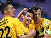 Die Schaffhauser Arijan Qollaku, Luca Tranquilli und Paulinho (von links) feiern einen klaren Sieg gegen Vaduz. (Bild: KEYSTONE/MARTIAL TREZZINI)