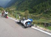 Zwei Personen wurden beim Unfall auf der Sustenstrasse verletzt. (Bild: Kantonspolizei Uri, 5. August 2018)