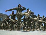 Soldaten beim Training in der afghanischen Hauptstadt Kabul. (Bild: Keystone/AP/MASSOUD HOSSAINI)