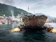 Wieder in der Heimat angekommen: Roald Amundsens Forschungsschiff «Maud» bei der Ankunft in Bergen. (Bild: KEYSTONE/EPA NTB SCANPIX/JAN WANGGAARD)