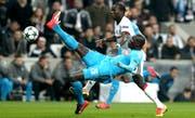 Kalidou Koulibaly (vorne) in einem Champions-League-Spiel gegen Besiktas Istanbul. Sedat Suna/EPA