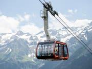 Für den Schweizer Tourismus geht es weiter bergauf: Die Übernachtungszahlen steigen Monat für Monat, über die erste Jahreshälfte betrug das Plus 3,8 Prozent. (Bild: KEYSTONE/URS FLUEELER)