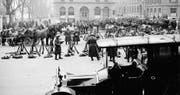 Truppen auf dem Berner Waisenhausplatz während des Landesstreiks im November 1918. (Bild: Swiss Federal Archives)