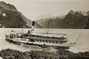 Dampfschiff Wilhelm Tell am 3. Oktober 1933 im Urnersee bei Brunnen.