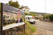 Norbert Näf hat als Erster Wahlplakate von sich in Wittenbach stehen. (Bild: Johannes Wey)