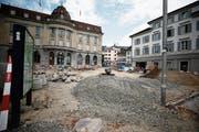 Absperrungen, Schutt und Betonelemente: Noch bis im Dezember wird auf dem oberen Postplatz gebaut. (Bild: Stefan Kaiser (7. August 2018))