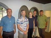 Vertreter der Baukommission (BK) und der Bauleitung (BL) bei der Übergabe (von links): Felix Cavaletti (BK), Peter Maurer (BK), Corina Zberg (BL), Projektleiter Sepp Blättler und Peter Tresch (BK). (Bild: PD, Göschenen, 26. Juli)