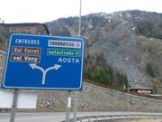 Vom Erdrutsch betroffen ist das Val Ferret in Italien am Fusse des Mont-Blanc-Massivs. (Bild: KEYSTONE/EPA/BENOIT GIROD)