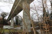 Die Höhe des Viadukts kompliziert und verteuert die Arbeiten