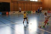 Bevor «gmätschlet» wird, gilt es zunächst den Umgang mit dem Ball zu beherrschen. (Bilder: Robert Kucera)