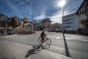 Die Kreuzung Geissensteinring/Sternmattstrasse in Luzern ist ein gefährlicher Strassenabschnitt, bei dem es immer wieder zu Unfällen zwischen Autos und Velos kommt. (Bild: Pius Amrein (8. März 2018))