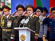Altkommunistische Jasager-Riege um Präsident Lukaschenko (Mitte) im Juli dieses Jahres in Minsk. (Bild: KEYSTONE/AP POOL AFP/SERGEI GAPON)