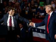 Stimmungstest wohl bestanden: Der von US-Präsident Donald Trump unterstützte Kandidat Troy Balderson gewann laut vorläufigen Resultaten knapp die Nachwahl in Ohio um einen Sitz im Repräsentantenhaus. (Bild: KEYSTONE/AP/CAROLYN KASTER)