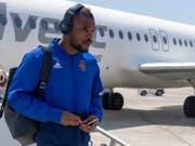 Nichts mit Fliegen: Serey Die reist nicht zum Europa-League-Spiel bei Vitesse (Bild: KEYSTONE/GEORGIOS KEFALAS)