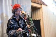 Doris Haudenschild in der Rolle der Erzählerin.