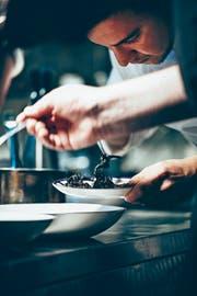 Gastronomiebetriebe sind von der neuen Stellenmeldepflicht besonders betroffen. (Bild: Getty)