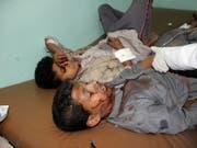 Beim Luftangriff auf einen Schulbus im Jemen kamen 47 Menschen ums Leben, die meisten davon Kinder. 77 weitere Personen wurden verletzt. (Bild: KEYSTONE/EPA/STRINGER)