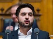 Der Aargauer Nationalrat Cédric Wermuth (SP) empfiehlt sich als Kandidat für den Ständeratssitz. (Bild: KEYSTONE/PETER KLAUNZER)