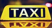 Am Ruftaxiprojekt der Gemeinden Flawil und Oberuzwil sind zwei Flawiler Taxiunternehmen beteiligt: Taxi Stop und M Taxi. (Bild: PD)