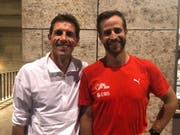 Andreas Kundert (rechts) mit seinem ehemaligen Trainer Markus Schaffner während der Leichtathletik-EM in Berlin. (Bild: pd)