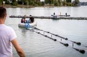 Im Schifffahrtshafen in Kreuzlingen werden die Wasserspiele für das Fantastical 2018 installiert. (Bild: Reto Martin)