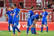 Die Luzerner Spieler werden in Griechenland einmal kräftig durchgeschüttelt. (Bild: Martin Meienberger/Freshfocus (Piräus, 9. August 2018))