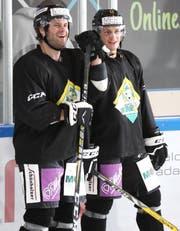 Kenny Ryan (links) und Cody Wydo spielten vergangene Saison beim gleichen Club in der East Coast Hockey League und verstehen sich auch neben dem Eis gut. (Bild: Mario Gaccioli