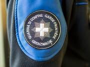 Beim Tessiner Grenzwachtkorps liegt offenbar einiges im Argen. Eine Untersuchung wurde eröffnet. (Bild: KEYSTONE/GAETAN BALLY)