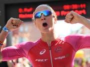 Daniela Ryf gewinnt überlegen die 70.3-Ironman-Weltmeisterschaft im südafrikanischen Port Elizabeth (Bild: KEYSTONE/AP dpa/ARNE DEDERT)