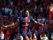 PSG-Stürmer Kylian Mbappé nach seinem 3:2-Führungstor in Nîmes - später flog der Jungstar vom Platz (Bild: KEYSTONE/EPA/GUILLAUME HORCAJUELO)