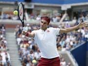 Roger Federer steht in New York unter den letzten 16 (Bild: KEYSTONE/EPA/JUSTIN LANE)