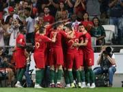 Portugal feiert das 1:0 von André Silva (Bild: KEYSTONE/AP/ARMANDO FRANCA)