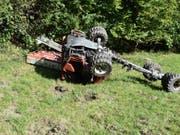 Tädlicher Unfall in Grabs: Für die 18-jährige Frau, die das landwirtschaftliche Fahrzeug steuerte, kam jede Hilfe zu spät. (Bild: Kapo SG)