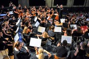 Ansteckendes Engagement: Gabriel Estarellas Pascual dirigiert seit zehn Jahren das Jugendorchester Thurgau. (Bild: Max Eichenberger)