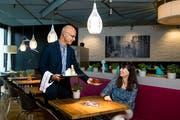 Die beiden Le-Théâtre-Geschäftsführer Andréas Härry und Sonja Greber im Restaurant Prélude. (Bild: Philipp Schmidli, Emmen, 7. September 2018)