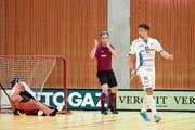 Zugs Andreas Dahlqvist (rechts) trifft zwar dreimal, kann die Niederlage aber auch nicht abwenden. (Bild: Michael Peter/Zug United (9. September 2018))