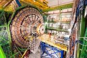 Der mächtigste Teilchenbeschleuniger der Welt liegt rund 100 Meter unter der Erde in der Nähe von Genf. (Bild: KEYSTONE/Christian Beutler)