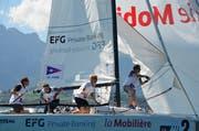 Philippe Erni, Maja Breitenmoser-Karlsson, Philippe Manner und Daniel Pfiffner (von links) konnten mit Platz zwei die Aufstiegschancen für den Segelclub Cham wahren. (Bild: Claudia Somm (Oberhofen, 9. September 2018))