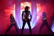 Der Londoner Koffi Missah interpretiert den «King of Pop» auf der Pentoramabühne. (Bild: Manuel Nagel)