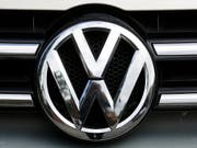 Im milliardenschweren Musterprozess in Deutschland zum VW-Abgas-Skandal könnte VW nach Ansicht des Richters die Anleger zu spät informiert haben. (Bild: KEYSTONE/AP/MARKUS SCHREIBER)