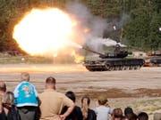 An der am Dienstag in Russland beginnenden Übung sollen auch 36'000 Panzer zum Einsatz kommen. (Bild: KEYSTONE/EPA/ANATOLY MALTSEV)