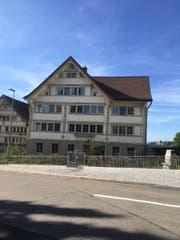 Das Pfarrhaus in Wald soll verkauft werden. (Bild: Carina Dörig)