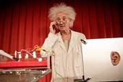 Thomy Truttmann sorgt als «Professohr Leonardo» an den Urner Schulen für ein besonderes Theatervergnügen. (Bild: PD)
