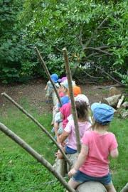 Der Garten des Chinderhus Rägeboge ermöglicht den Kindern naturnahe Abenteuer und Erlebnisse. (Bild PD)